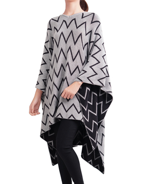 DELUXSEY Chevron Double-Layer Mirror-Image Pullover Ponchos (Gray, M - L)